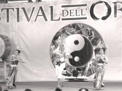 Francesco Pesce_danzatrici thailandesi 2