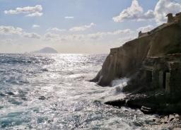 Laura Spizzichino_Scroscio del mare contro gli scogli 3